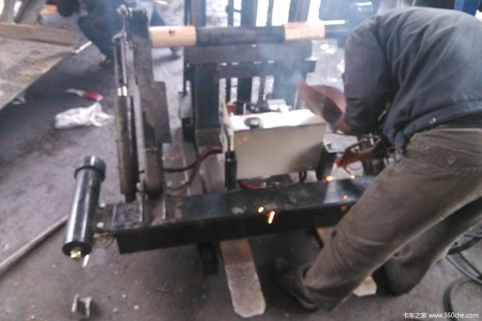 武汉凯卓立货车尾板安装全记录